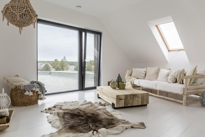 Zithoek op zolder met toegang tot plat dak